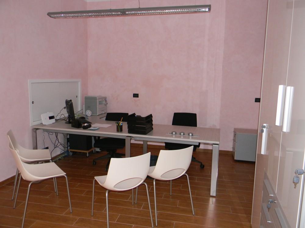 Colori Ufficio Moderno : Arredamento ufficio ufficio moderno u idea arredamenti ceriale